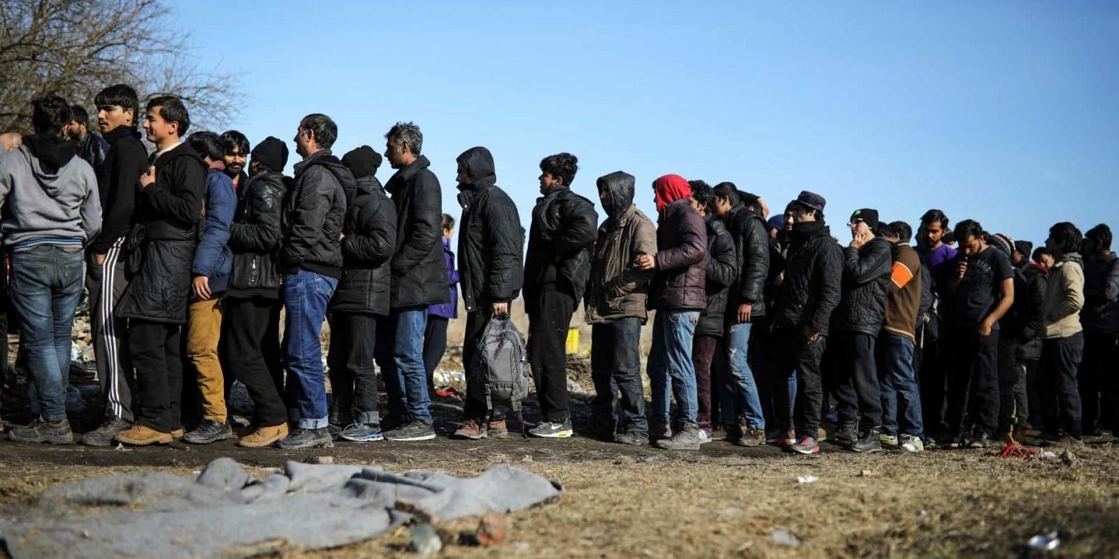 ONU deve discutir medidas mais duras contra leilões de escravos na Líbia